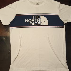 The North Face Logo Shirt. Slim Fit.